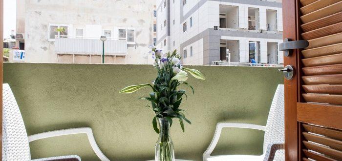 Luxury Balcony Studio   Residence Suites