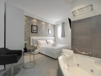 Luxury Jacuzzi Studio | Residence Suites