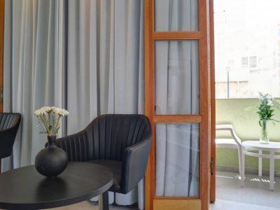 rafael hotels 2013 188 700x466 400x300 Luxury Balcony Studio