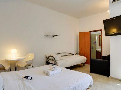 rafael hotels 2013 217 400x300 Deluxe Studio  3