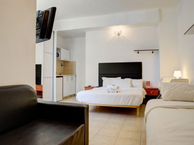 rafael hotels 2013 221 400x300 Deluxe Studio  3