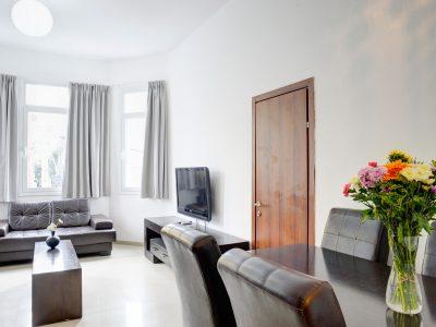 raphaelhotels 377 1 400x300 Spacious Two Bedroom Apartment