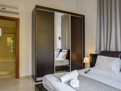 raphaelhotels 379 1 400x300 Spacious Two Bedroom Apartment